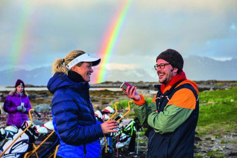 Suzann Pettersen beim Interview mit GOLF MAGAZIN-Chefredakteuer Carli Underberg auf dem LofotenLinks-Course im Nordwesten Norwegens