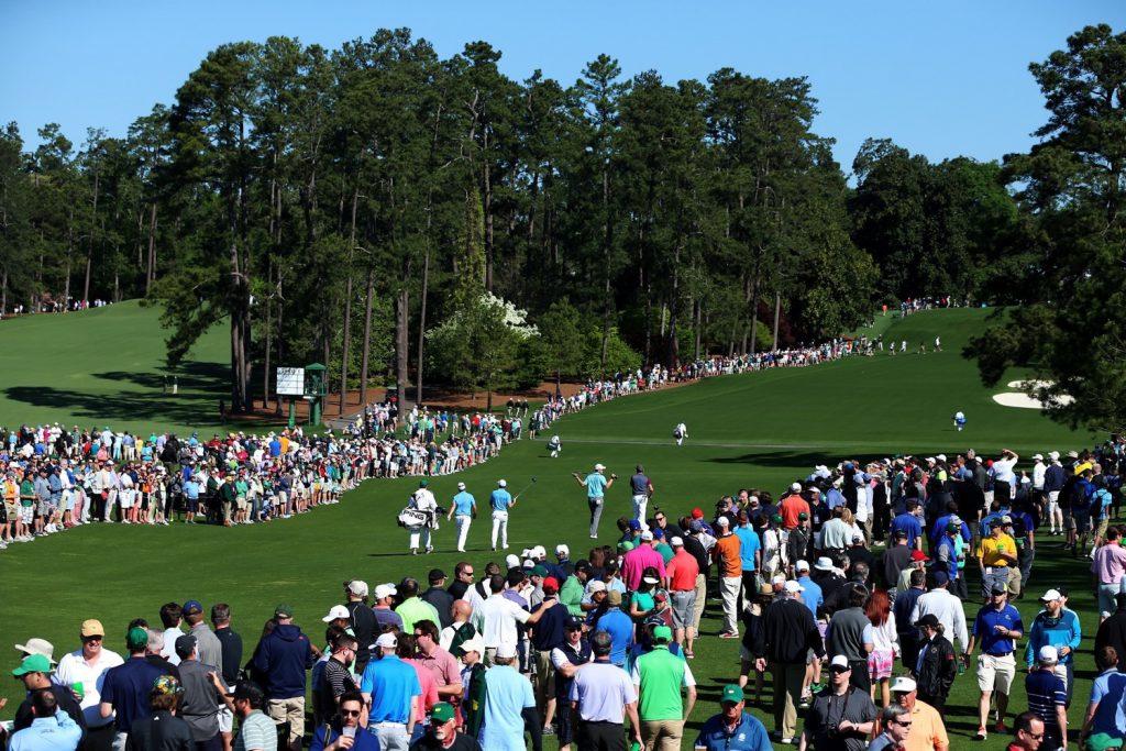 Tickets für die Trainingstage sind ebenso begehrt wie für das Turnier. Die Anlage ist schon am Montagmorgen der Turnierwoche proppenvoll. (Photo by Andrew Redington/Getty Images)