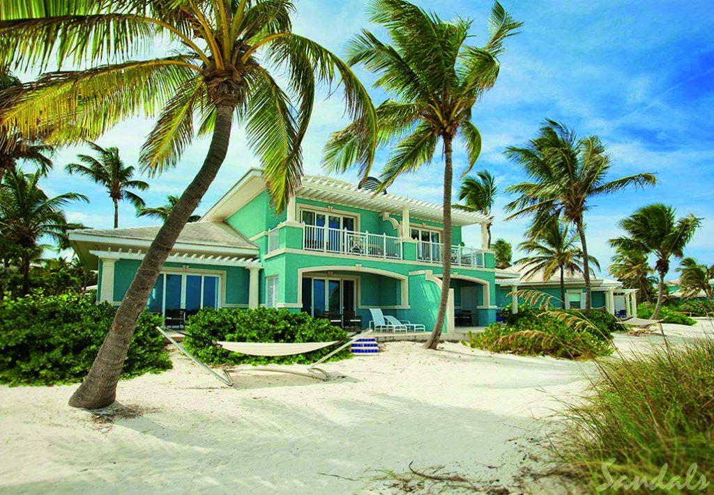 Strandpalast: Die Beach-Villen im Emerald Bay Resort tragen ihren Namen zu Recht.