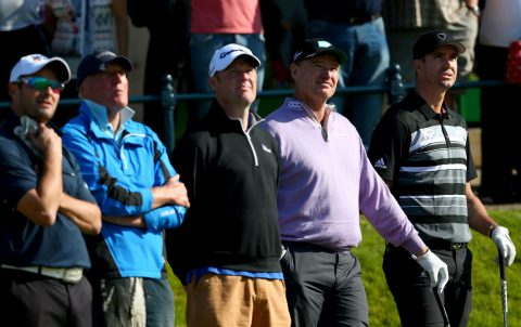 ST ANDREWS, SCOTLAND - SEPTEMBER 30:  Ernie Els of South Africa and England cricketeer Kevin Pietersen on the first tee during the final practice round of the 2015 Alfred Dunhill Links Championship at The Old Course on September 30, 2015 in St Andrews, Scotland.  (Photo by Mark Runnacles/Getty Images)