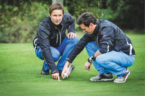 Entfernungsmesser Für Golfspieler : Cebego golf entfernungsmesser im etui by amazon sport freizeit