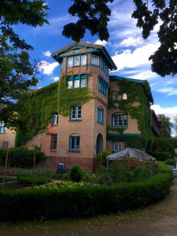 Kempferhof – in dem über 150 Jahre alten Chateau hat auch Pierre Pasquier sein Büro.