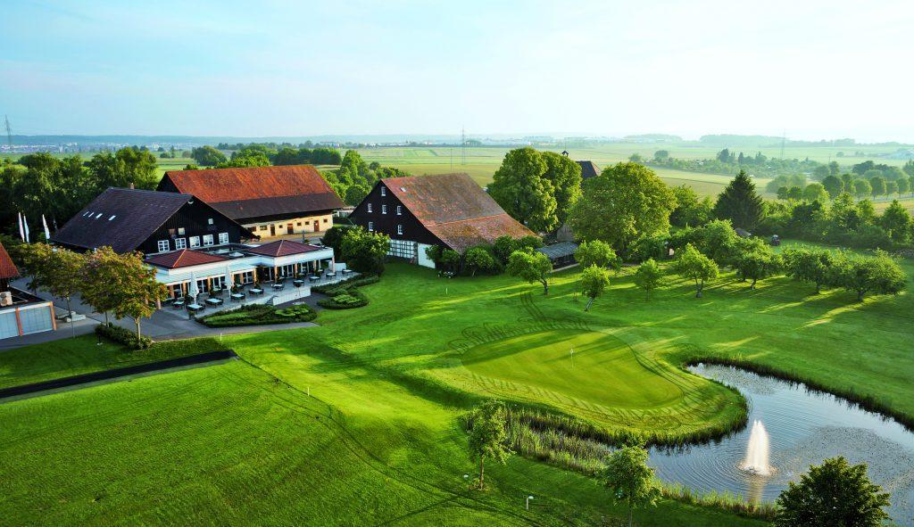Die Hofanlagen des jahrhundertealten Schaichhofs beherbergen heute auch das Clubrestaurant.