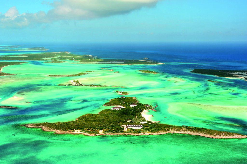 Mehr Paradies geht nicht: Die Exuma Cays sind wegen ihrer Korallenriffe und Höhlen ein beliebtes Ziel für Taucher und Segler. Hollywood-Stars und Milliardäre kaufen hier gerne ganze Inseln.