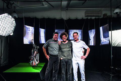 Ein eingespieltes Team, von links: Stefan Quirmbach, Fotograf Stefan von Stengel und Hans Werner Buhmann beim Shooting im Hamburger Fotostudio.