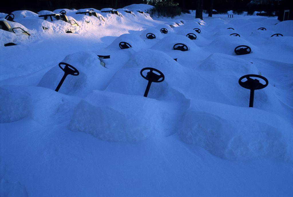 Golf Carts. Oder auch: Der Feind des Golf Grases im Winter.
