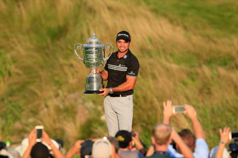 SHEBOYGAN, WI - AUGUST 16: Jason Day of Australia proudly holds the Wanamaker Trophy after his victory with a record Major score of 20 under par during the final round of the 2015 PGA Championship on The Straits Course at Whistling Straits on August 16, 2015 in Sheboygan, Wisconsin. (Photo by David Cannon/Getty Images)