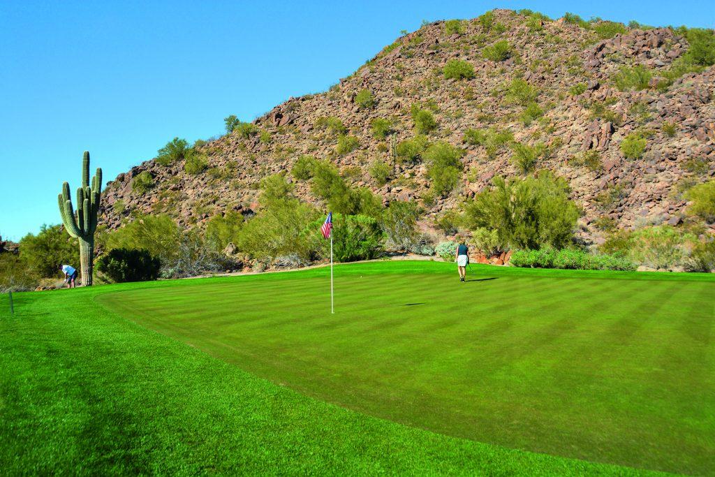 Beim Golfurlaub in Arizona wird deutlich: Der Wüstenstaat hat satte, grüne Grüns. Hier: Las Sendas Golf Club. Foto: I.v.Wilcke