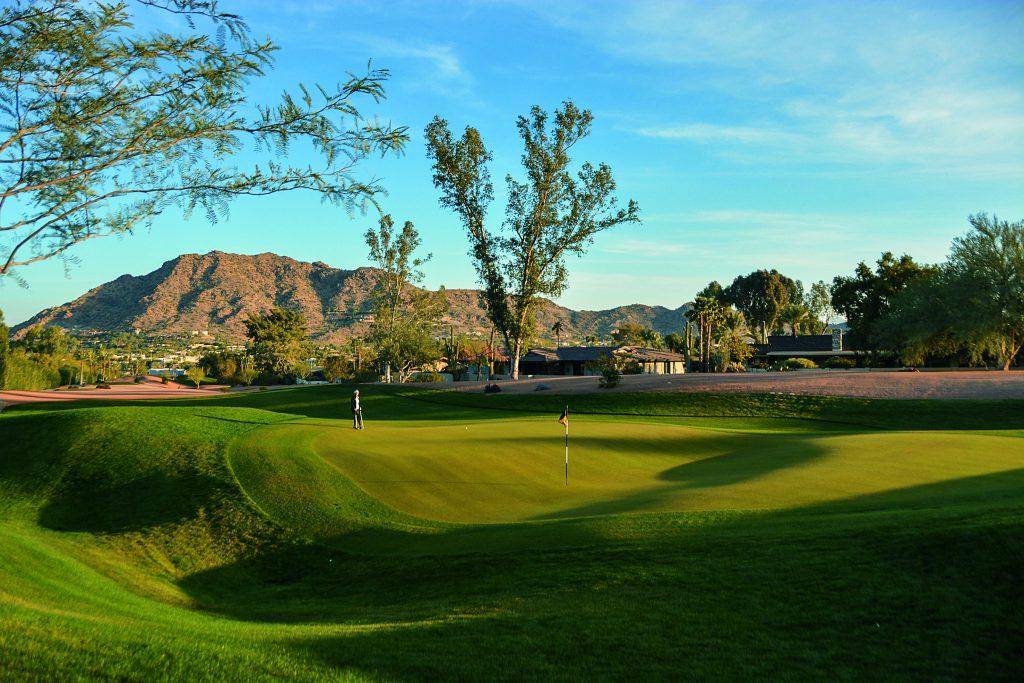 Warum nicht beim Golfurlaub in Arizona auch mal einen Kurzplatz spielen? Hier: Grün 2 vom The Short Course Mountain Shadows im Paradise Valley. Foto: I.v.Wilcke