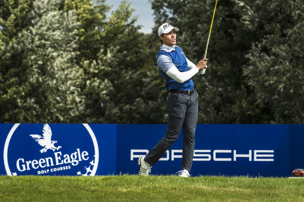 Challenge-Tour-Spieler Dominic Foos spielt sich bei der Porsche European Open 2019 mit -5 weit nach vorne.