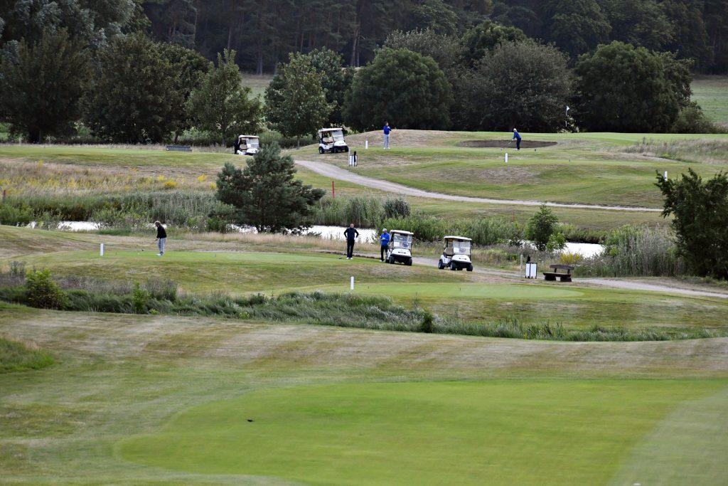 Und los geht's – auf der Golfanlage Fleesensee wurde der 70-Löcher Golf-Marathon des GOLF MAGAZIN ausgetragen. (Foto: Elke A. Jung-Wolff)