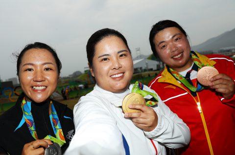 Inbee Park (Mitte) aus Südkorea ist die amtierende Goldmedaillensiegerin aus den Olympischen Spielen 2016 in Rio