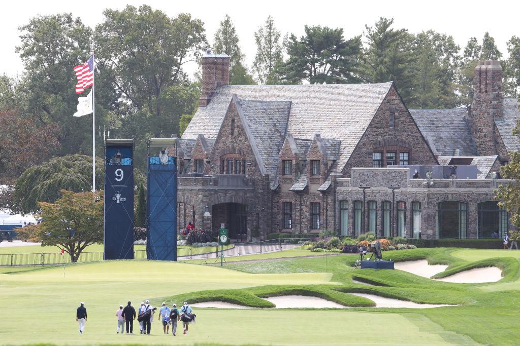 Die 9. Bahn des Winged Foot Golf Clubs während der Einspielrunde zur 120. US Open (Foto: Getty Images).