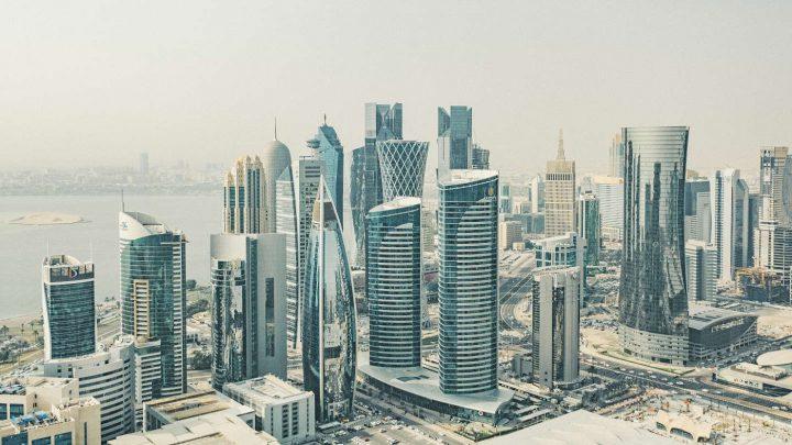 Golferlebnis Katar: Golfen in Doha - atemberaubende Skyline