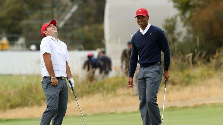Der Kapitän mit seinem Problemspieler: Tiger Woods und Patrick Reed