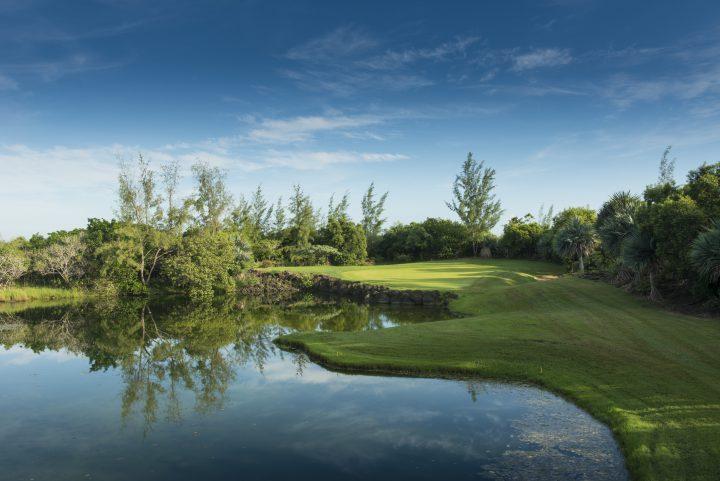 Wunderschöner Golfplatz des Four Seasons Resort Mauritius at Anahita.