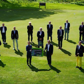 Am 18. Mai wurden im Rahmen des Blühpakts Bayern die ersten zehn bayerischen Golfanlagen vom Staatsminister für Umwelt und Verbraucherschutz, Thorsten Glauber mit dem Staatssiegel 'Blühender Golfplatz' ausgezeichnet.